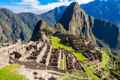Perú deporta a chileno detenido por daños en Machu Picchu