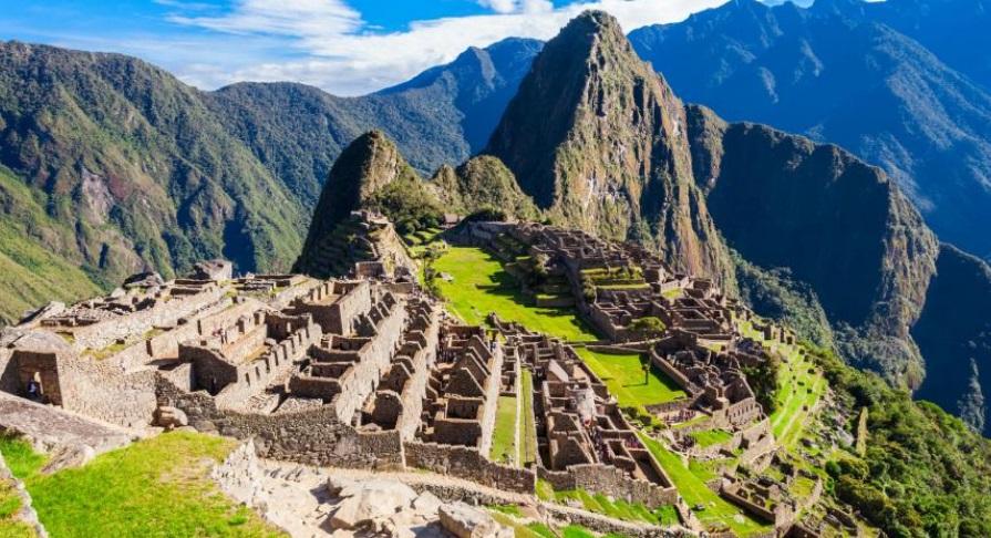 """""""Perú deporta a chileno detenido por daños en Machu Picchu"""""""