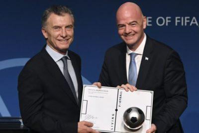 Dirigentes del fútbol argentino critican llegada de Mauricio Macri a la FIFA