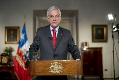 Independientes e impuestos: los temas no tocados en la reforma de pensiones anunciada por Piñera