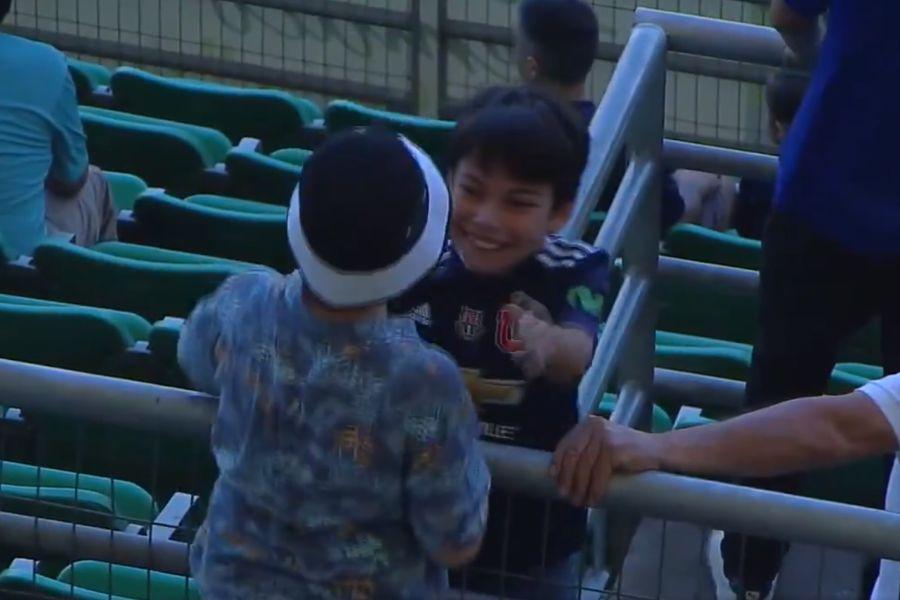 VIDEO | Amistad fuera de la cancha: la imagen ejemplar de los niños de Colo Colo y la U en el Superclásico