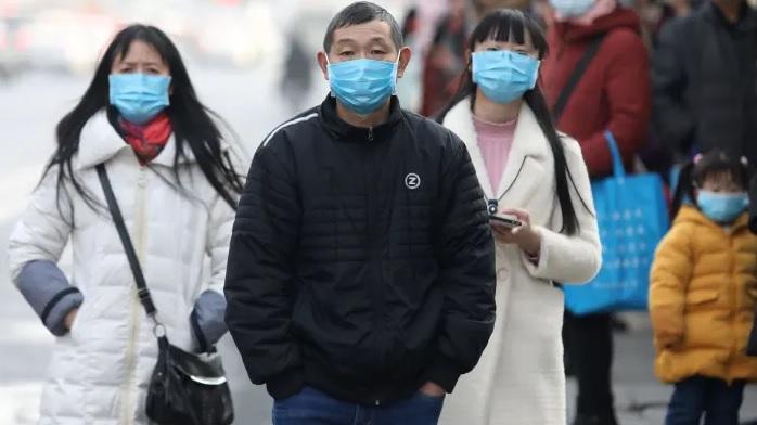 OMS se reúne de emergencia:China confirma 6 muertos y 300 nuevos contagiados por coronavirus