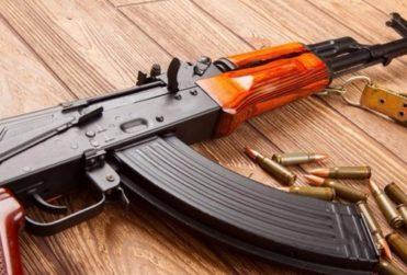 Caso AK-47: sexto imputado por compraventa de armas quedó con prisión preventiva