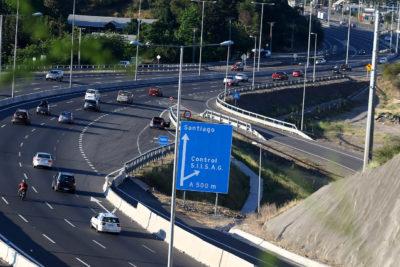 Unos 322 mil vehículos regresarían a Santiago este domingo