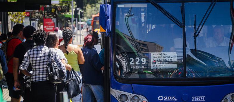 Transportes advierte que tarifa del Transatiago podría subir dependiendo de los costos