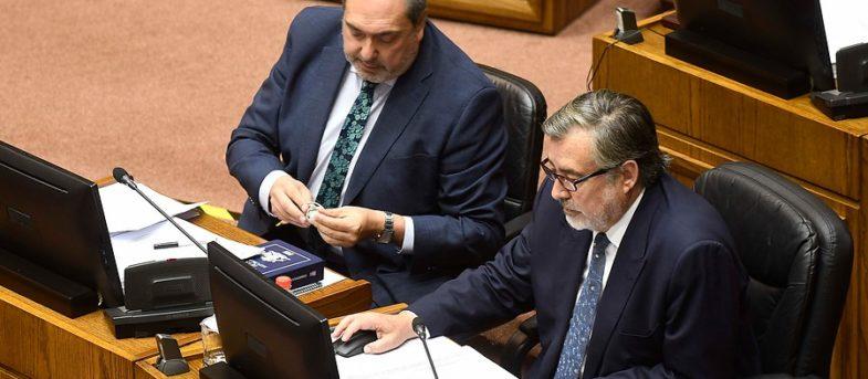 Tricel rechaza petición de Bianchi y Guillier por tiempo en la franja del plebiscito