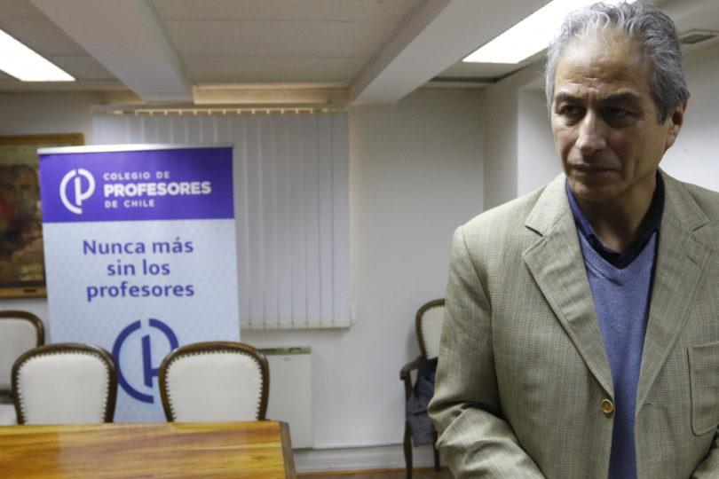 Colegio de Profesores prepara sus elecciones para un mes antes del plebiscito