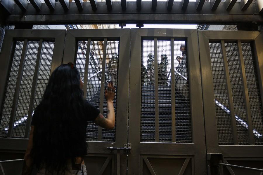"""""""Cuatro estaciones del Metro permanecen cerradas por disturbios en el exterior"""""""