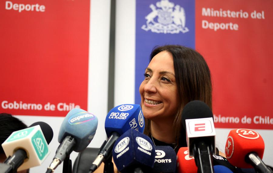 """Ministra del Deporte: """"Abordar la violencia al interior del fútbol corresponde a las sociedades anónimas"""""""