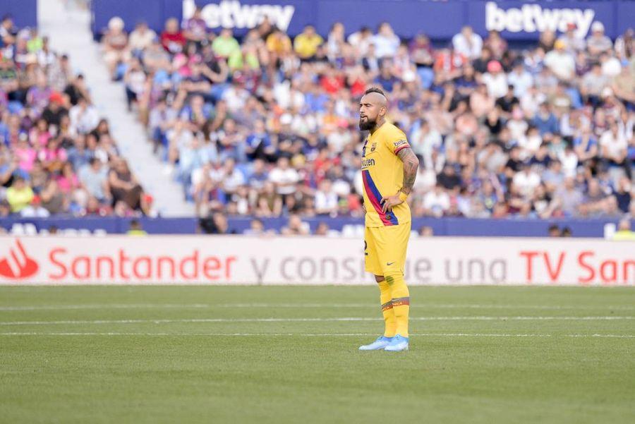"""Prensa española calificó de """"calamitoso"""" el rendimiento de Arturo Vidal"""