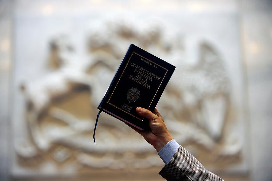 Cadem: rechazo a nueva Constitución llega al 27%