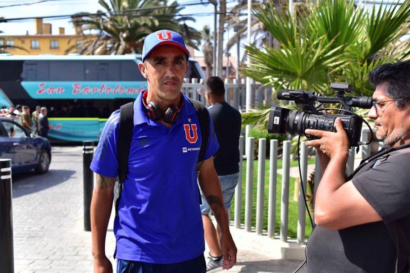 Osvaldo González sufre un desgarro y será baja ante Inter de Porto Alegre