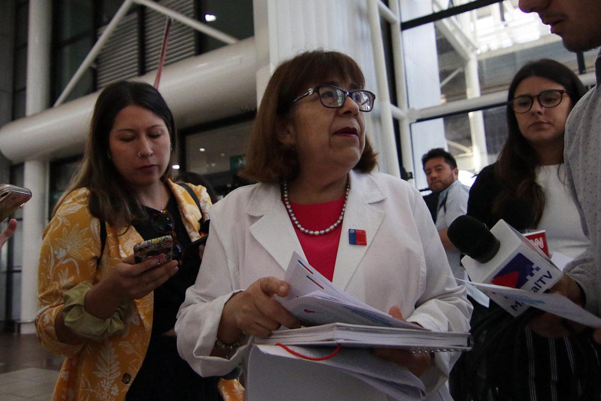 """""""Seremi de Salud sobre chilena que llegó desde China:"""