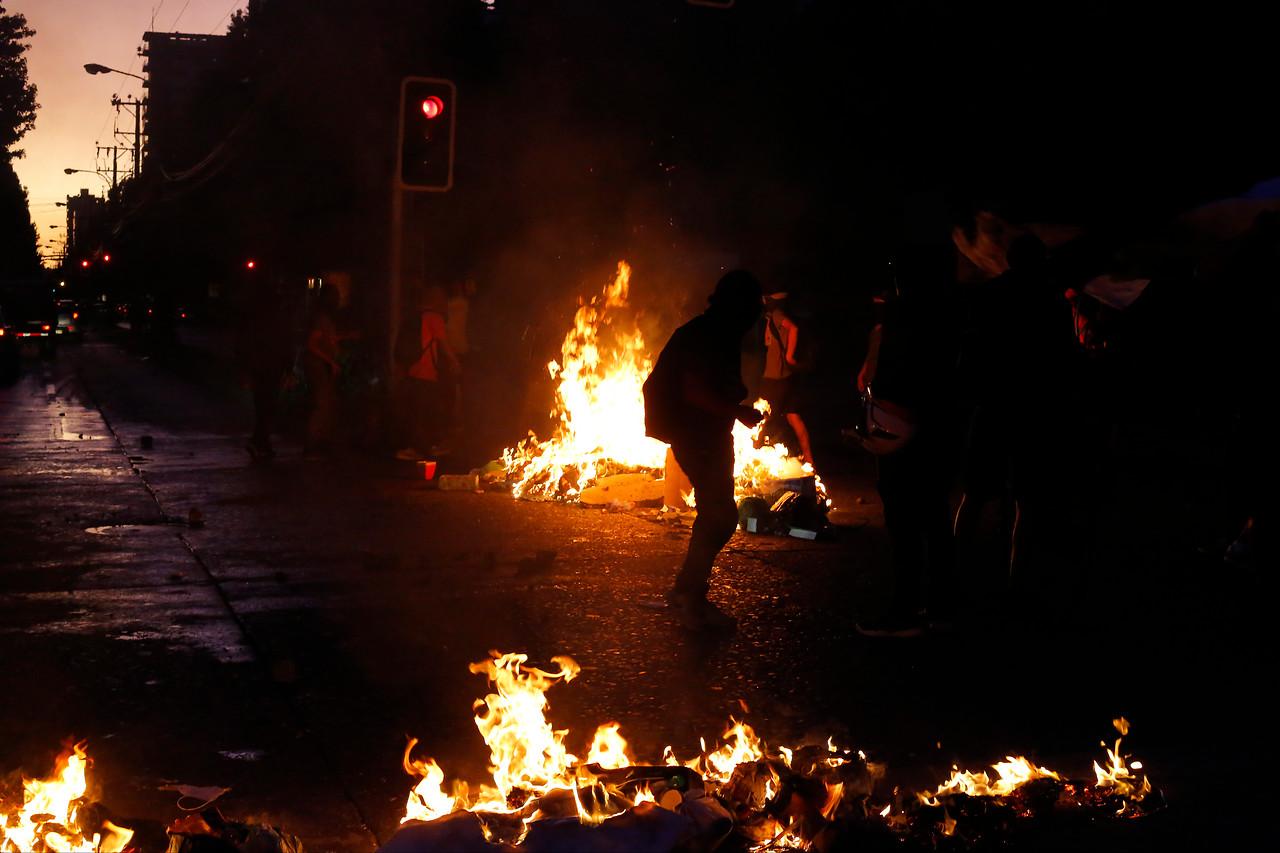 Estallido social: Violenta semana termina con 5 muertos