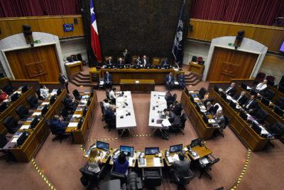 Cuestionamiento transversal: senadores presentan dudas ante rebaja de dieta parlamentaria