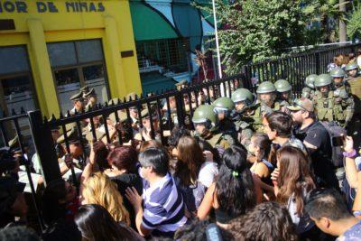 Manifestaciones se registraron durante la tercera rendición de la PSU