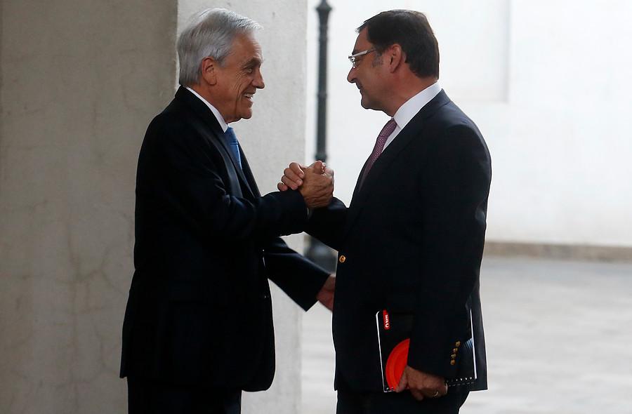 Piñera recibe a Guevara en La Moneda tras rechazo a acusación