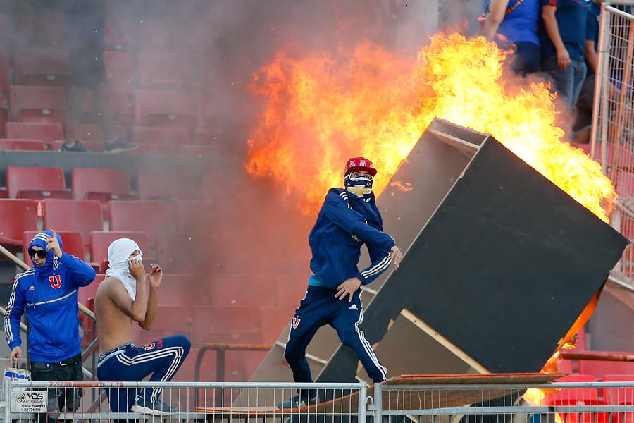 U. de Chile prohíbe ingreso al estadio por 16 años a detenido por incidentes