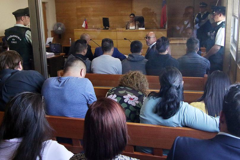 Prisión preventiva para carabineros acusados de golpiza a joven en Puente Alto