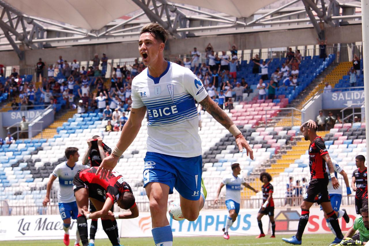 Universidad Católica venció a Deportes Antofagasta y es líder exclusivo del torneo