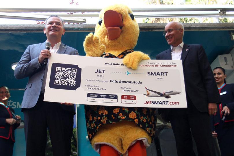 Alianza entre BancoEstado y JetSMART incluye descuentos en pasajes aéreos