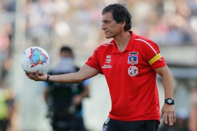 Colo Colo enfrenta a Curicó Unido en un partido decisivo para la continuidad de Mario Salas