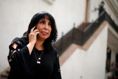 """Karla Rubilar: """"Queremos que este 2020 no esté marcado por la violencia, sino por el debate constituyente"""""""