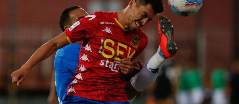 Jugador de Unión Española intentó frenar a su rival lanzándole su zapato