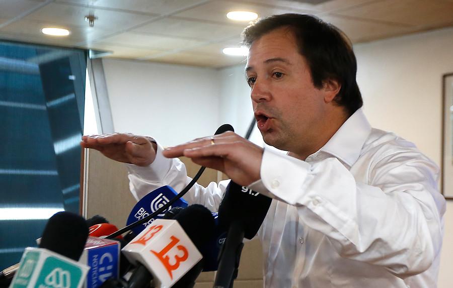 UDI lamenta decisión de Lucas Palacios de suspender su militancia