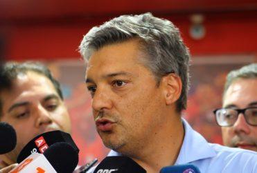 """Sebastián Moreno y los reclamos de Aníbal Mosa: """"En este clásico quedaron en un mal pie"""""""