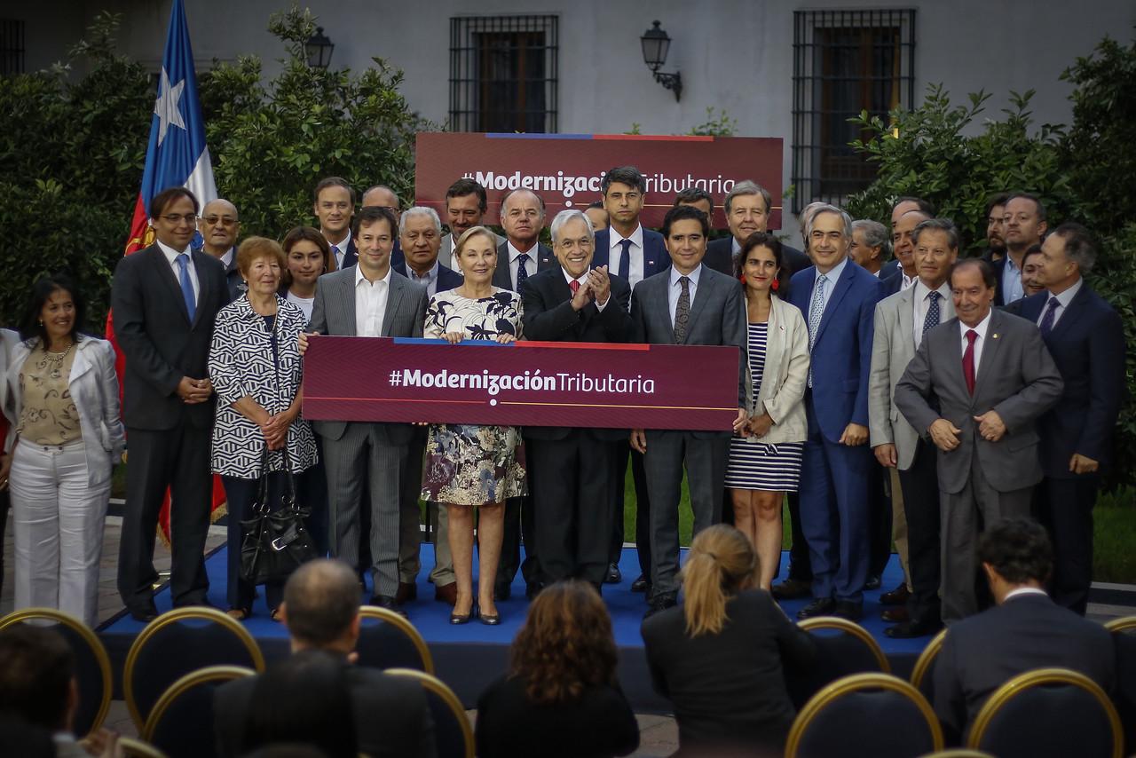 Piñera destaca promulgación de reforma tributaria
