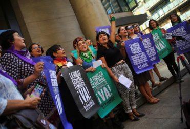 Organizaciones feministas se restan de reunión con autoridades por marcha del 8M