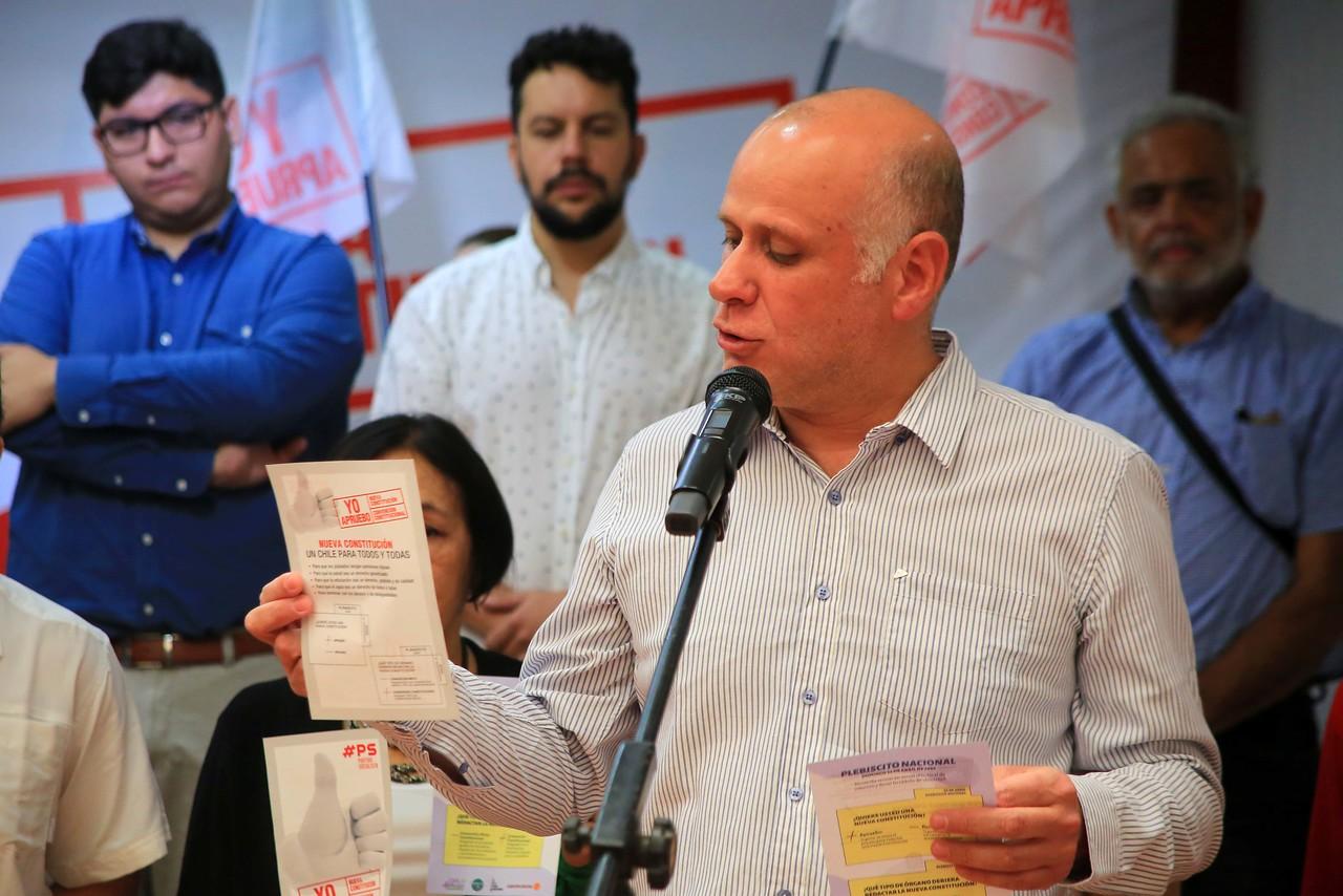"""Álvaro Elizalde arremete contra el rechazo: """"Hoy la Constitución es un factor de división"""""""