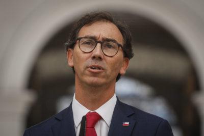 Raúl Figueroa y la vuelta a clases: cómo se viene marzo para el nuevo ministro de Educación