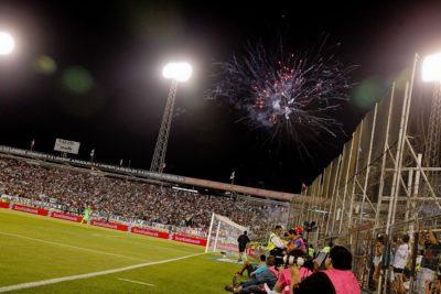 Autorizan fuegos artificiales en el Monumental para el clásico entre Colo Colo y la UC