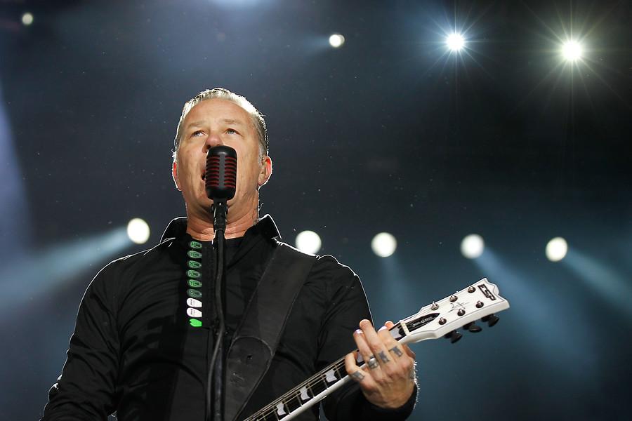 """""""Vocalista de Metallica reaparece tras pasar cinco meses en rehabilitación"""""""