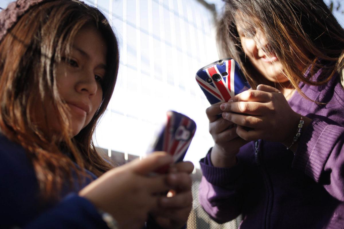 """""""Radiografía digital: El 28% de los menores en Chile ha presenciado ciberbullying"""""""