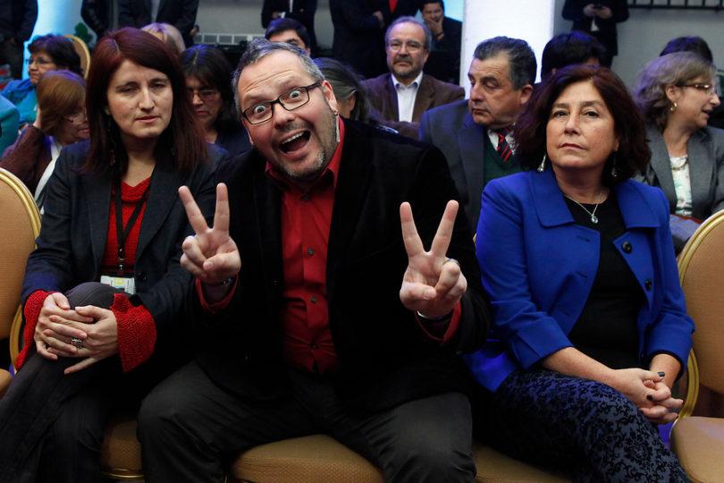 """Sebastián Dávalos logra inscribir la frase """"Me enteré por la prensa"""""""