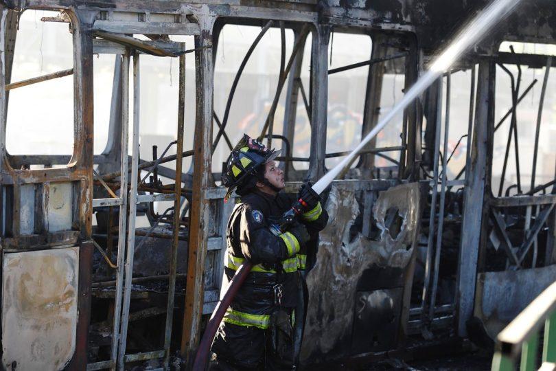 Incendian bus en la comuna de Valparaíso
