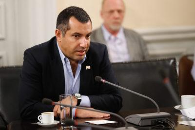 CDE pide antecedentes a Fiscalía sobre denuncia contra Gustavo Hasbún