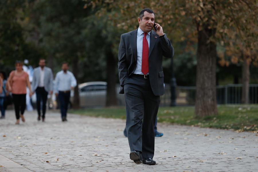 Contratista del MOP asegura que Hasbún le pidió $30 millones