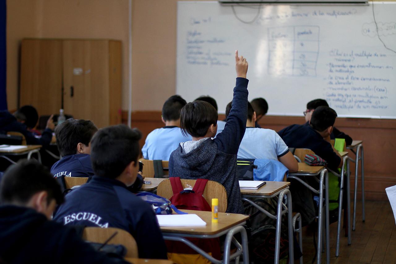 Cerca de 850 colegios iniciarán sus clases a partir de mañana lunes en Santiago