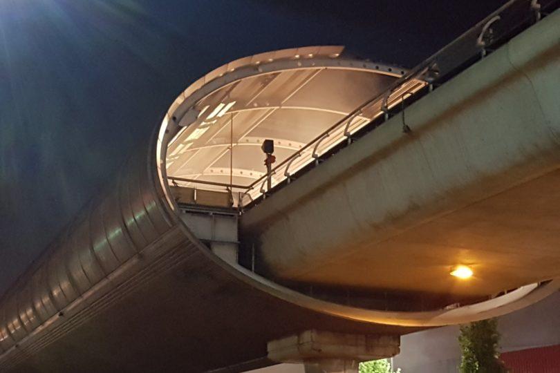Incendio afecta a Metro Los Quillayes y se suspende servicio en Línea 4