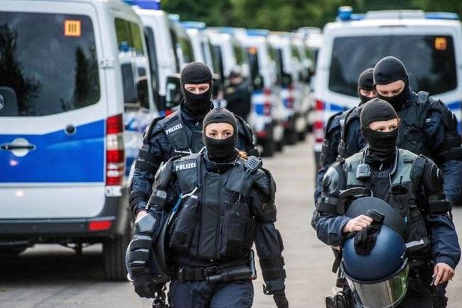 Detienen a grupo alemán de ultraderecha que planeaba atacar mezquitas