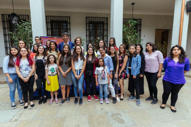 Ministerio de Ciencia y de la Mujer buscan aumentar participación de niñas y mujeres en carreras científicas
