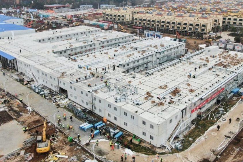 Comienza a funcionar hospital construido en 10 días para atender coronavirus en China
