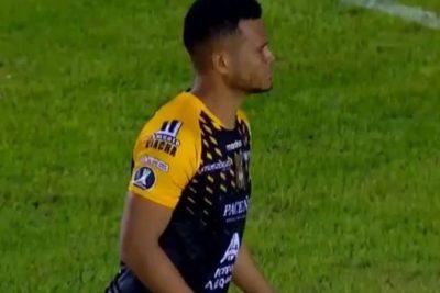 VIDEO | El horrible penal que ejecutó un jugador de The Strongest en Copa Libertadores