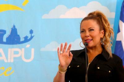 """""""Aprobado y legal"""": Contraloría explica aumento de sueldo de Cathy Barriga"""