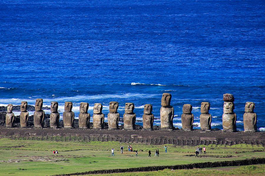 """""""Alcalde de Rapa Nui anuncia el cierre de la isla:"""