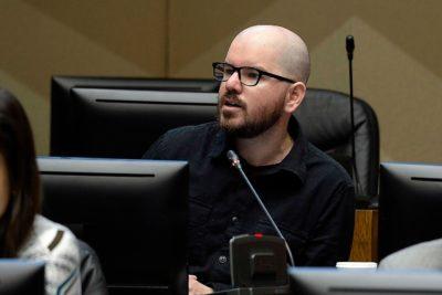 Minsal y Colegio Médico critican a Giorgio Jackson por realizarse test de coronavirus